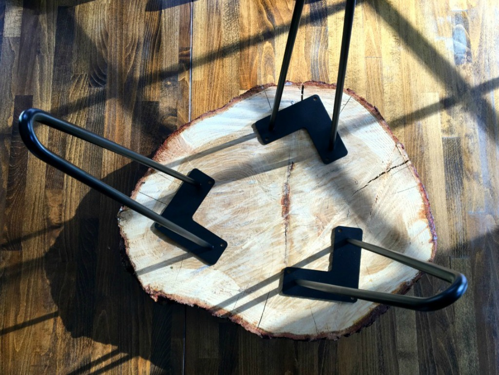 How to make a DIY tree slice table